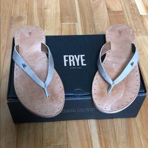 Frye Ally Logo flip flops size 10